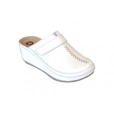Модель 6661 анатомическая обувь на танкетке для медиков белая